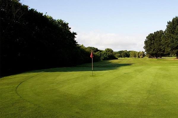 Golf Clubs in Shrewsbury